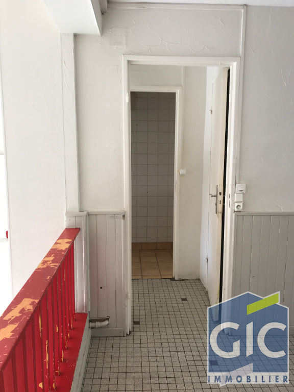 LOCAL COMMERCIAL 45 M² 8/11